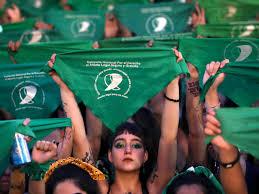 Legalización del aborto en Argentina (https://www.rtve.es/noticias/20200306/argentina-mas-cerca-del-aborto-legal/2006265.shtml)