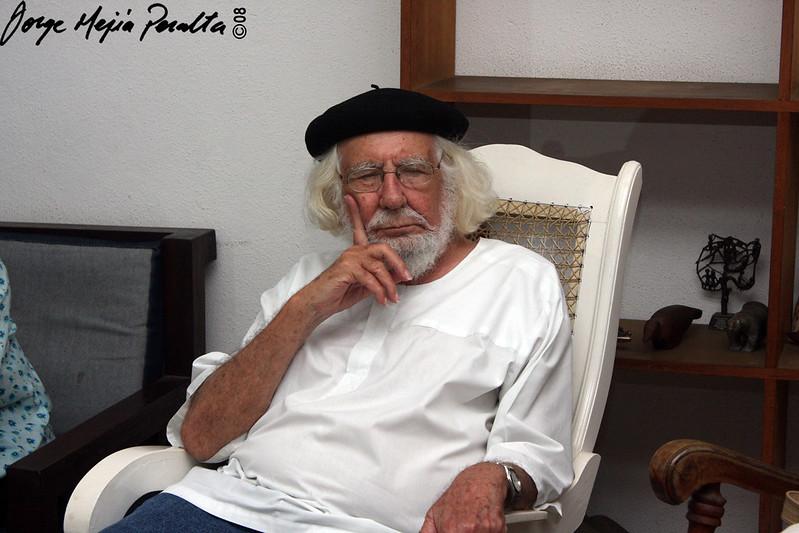 Foto de Ernesto Cardenal en Solentiname.  Cortesía de Jorge Mejía Peralta